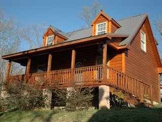Lookout Mountain cottage, Old Hickory, Rising Fawn