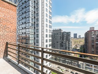 Tidy 3 BEDROOMS Penthouse with central Park views
