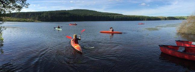 kayaks and canoes at Alemoor Reservoir