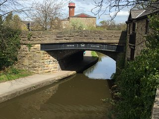 Clayton Bridge House on Lancaster canal.