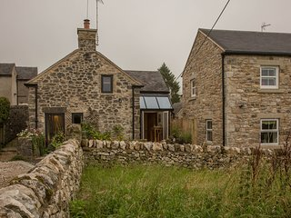 Coachman's Cottage, 2br Cruck cottage, Brassington
