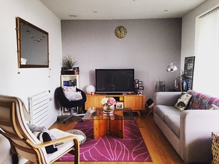 Modern and Recent Cosy Flat close to Canary Wharf