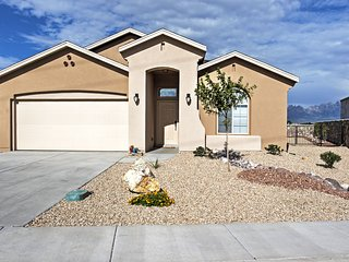 NEW! 3BR Las Cruces House w/Patio Mountain View!