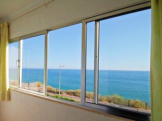 T2  Sea View