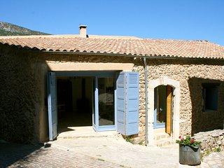 Maison de Village en pierre entierement renove
