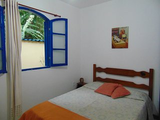 ROOM IN A FAMILY HOUSE, Vila do Abraao
