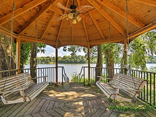 NEW! 2BR Savannah Cottage w/Tennessee River Views!