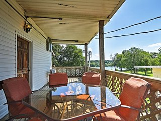 NEW! 2BR Savannah Apartment w/Community Pool!
