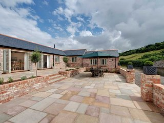 Luxury 5* 4 bedroom ensuite self catering accommodation in Dorset.