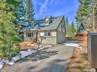 Central Tahoe Smart Tech Cabin - 3 bathrooms!, South Lake Tahoe