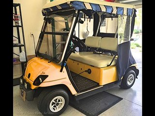 Village of Virginia Trace! Minutes to Lake Sumter Landing in golf cart!