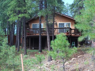 Forest Side Cottage- Your Cozy Cottage Retreat, Flagstaff