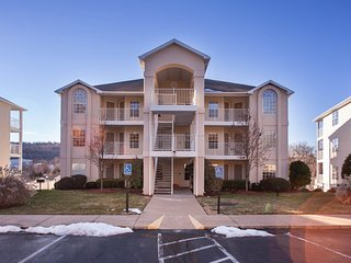 Wyndham Branson 1 Bedroom close to Museum, lake w/ 5 indoor & outdoor pools