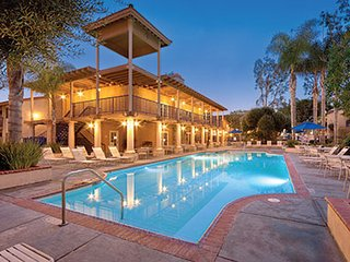 1 mile to Disney - WorldMark Dolphins Cove - 2 BDRM available in July, Anaheim
