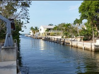 Boaters,Fishermen,Divers... Canal Front Home, Big Pine Key