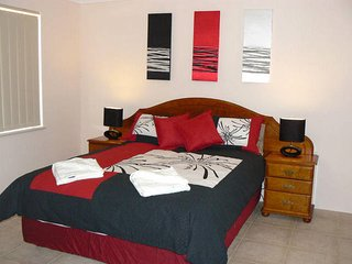 Airconditioned Geraldton Luxury Retreat