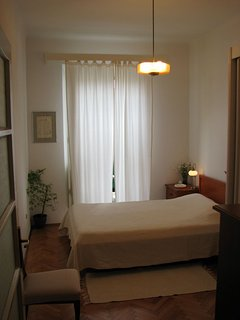 A(4): bedroom