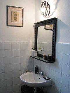 A(4): bathroom with toilet