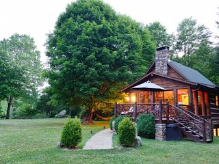 Mountain Magic 2BR + Loft ~ fire pit, HOT TUB, acreage, views & Waterfall!