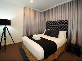Kirsten Serviced Accommodation- Lewis House Mudgee