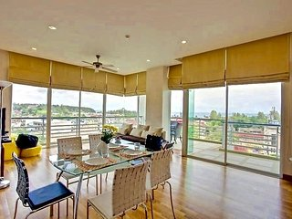 2 bedroom excellent view apartment in Karon