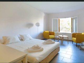 Moderno apartamento al lado de La Catedral para 2., Palma de Mallorca
