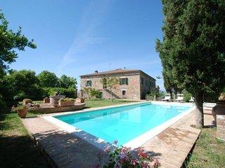 5 bedroom Villa in Siena, Tuscany, Italy : ref 2022519