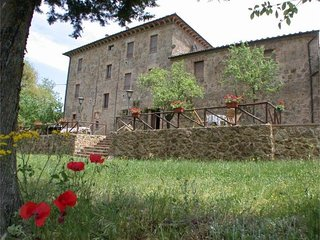 4 bedroom Villa in Siena, Tuscany, Italy : ref 2022511