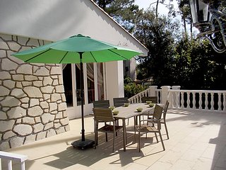 6 bedroom Villa in Saint Georges de Didonne, Poitou Charentes, France : ref 2026338, Royan