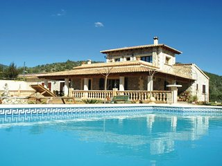 6 bedroom Villa in Alaro, Balearic Islands, Mallorca : ref 2037105