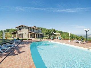6 bedroom Villa in Valfabbrica, Umbria, Perugia, Italy : ref 2040704