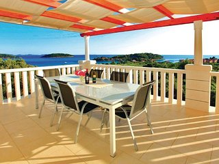 6 bedroom Villa in Korcula Prizba, South Dalmatia, Korcula, Croatia : ref 2044077