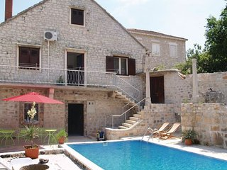 4 bedroom Villa in Brac, Central Dalmatia, Croatia : ref 2044121, Pucisce