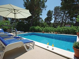 6 bedroom Villa in Makarska, Central Dalmatia, Croatia : ref 2044947