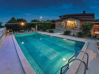 4 bedroom Villa in Umag Rozac, Istria, Umag, Croatia : ref 2046146