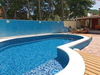 4 bedroom Villa in Ciovo, Central Dalmatia, Croatia : ref 2046856, Slatine