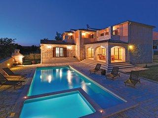 4 bedroom Villa in Vodnjan Golubovo, Istria, Vodnjan, Croatia : ref 2047010
