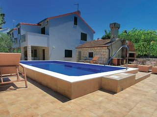 5 bedroom Villa in Korcula, South Dalmatia, Croatia : ref 2047078, Zrnovo