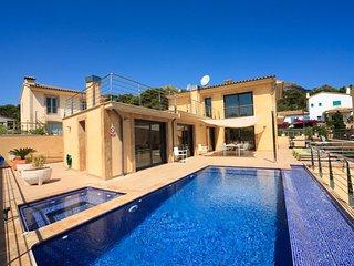 4 bedroom Villa in Cala San Vicente, Mallorca, Mallorca : ref 2086215