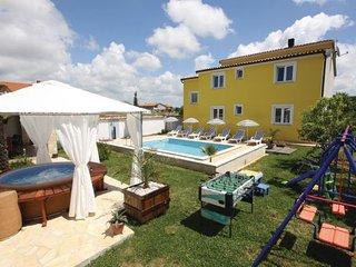 4 bedroom Villa in Pula, Istria, Croatia : ref 2089169, Stinjan