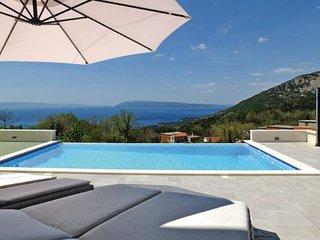 4 bedroom Villa in Makarska, Central Dalmatia, Croatia : ref 2095413, Tucepi