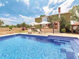 4 bedroom Villa in Pula, Istria, Croatia : ref 2095419, Loborika