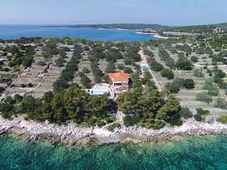 5 bedroom Villa in Korcula, South Dalmatia, Croatia : ref 2095474, Vela Luka