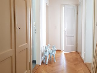top located 3 room luxury flat, wifi&dishw&washer, Zürich