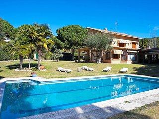 5 bedroom Villa in Sant Andreu de Llavaneres, Barcelona Costa Norte, Spain : ref 2097086, Sant Andreu de Llaveneres