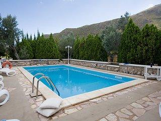 4 bedroom Villa in Castellamare del Golfo, Sicily, Italy : ref 2098753
