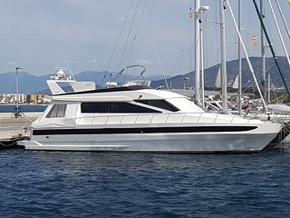 Tres beau bateau de 16 metres