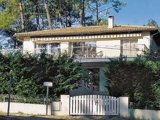 4 bedroom Villa in Lacanau, Gironde, France : ref 2185295