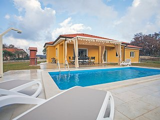 4 bedroom Villa in Rovinj Rovinjsko Selo, Istria, Croatia : ref 2215026, Brajkovici
