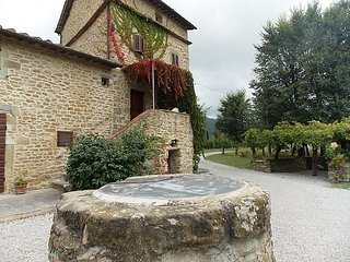 4 bedroom Villa in Cortona, Italy : ref 2217359, Montalla